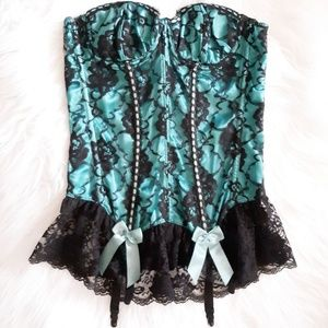 NWOT Frederick's Lacey Garter Corset